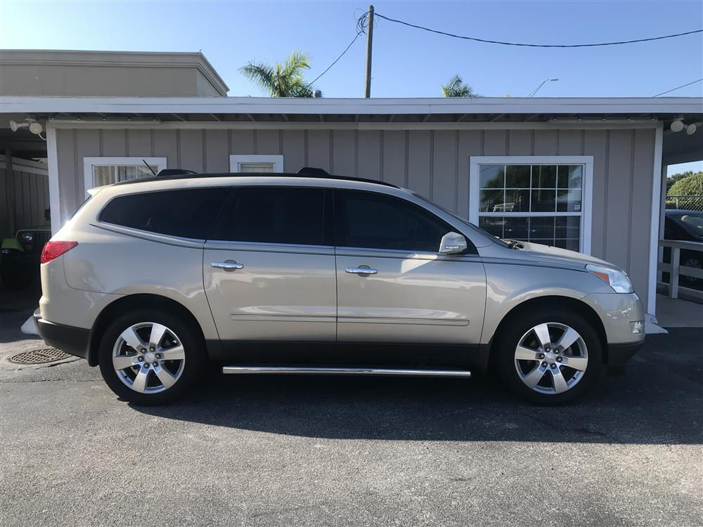 2011 Chevrolet Traverse SLZ Low Miles