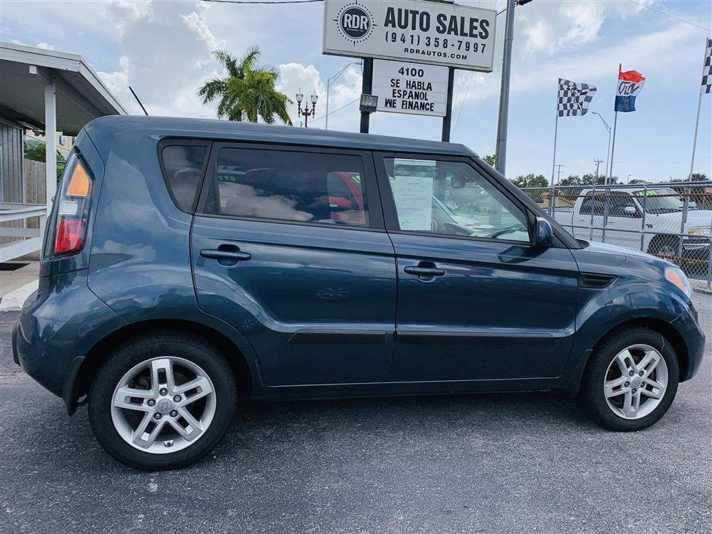 2011 Kia Soul + One Owner