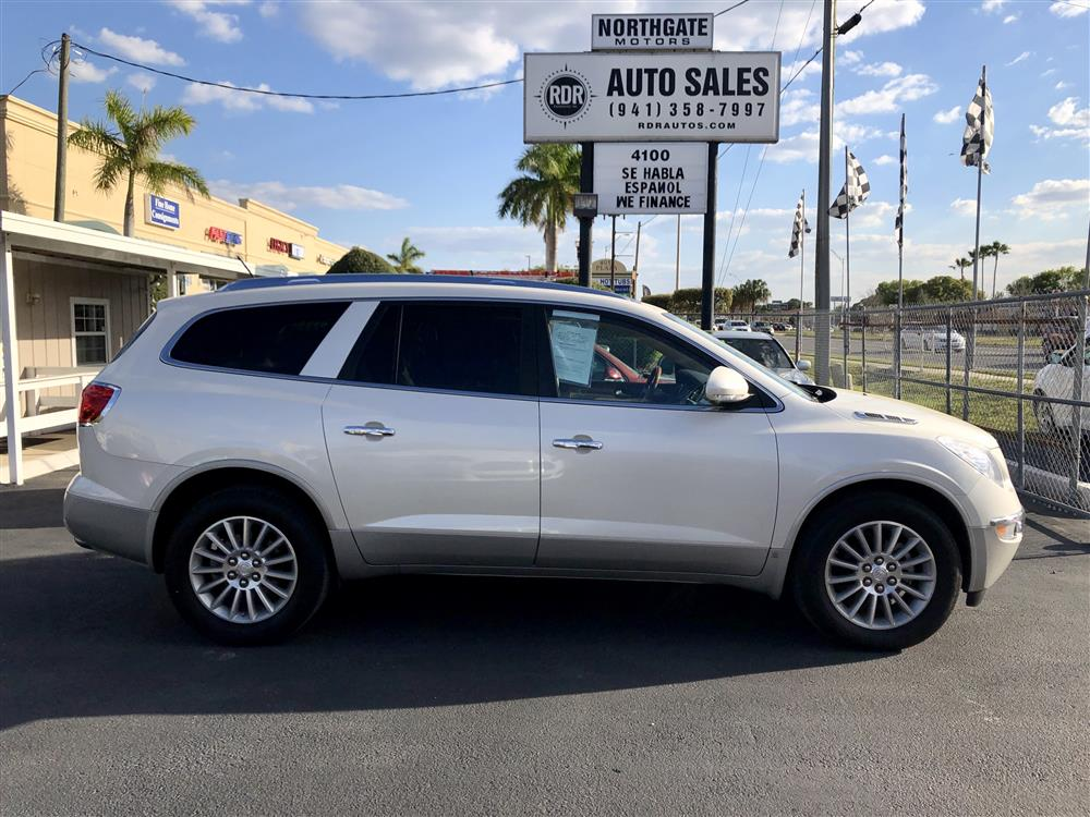 2008 Buick Enclave CLX. Low Miles 70K. One owner