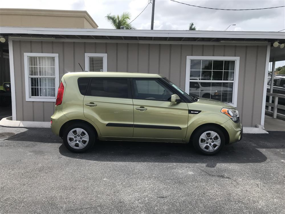 2012 KIA SOUL ONE OWNER EXTRA CLEAN