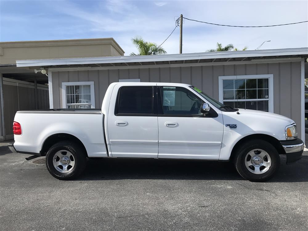 2002 Ford F150 XLT Supercrew Cab.